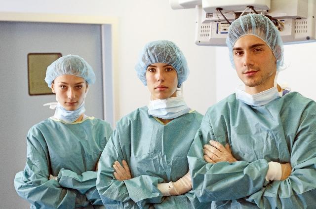 オペ室の医師たち