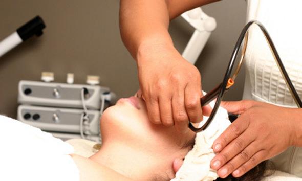 鼻の黒ずみ除去のレーザー治療