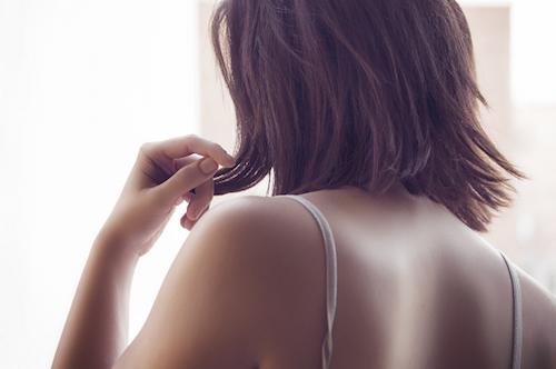 今、増えている女性の抜け毛・薄毛の悩み